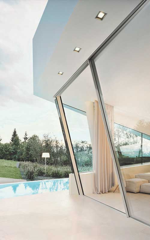 The Slope Door System by Sky-Frame